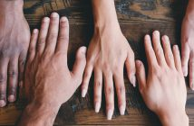 Więzi społeczne skutecznie chronią przed depresją - badania